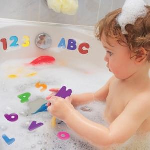 des lettres et numeros autocollants de bain