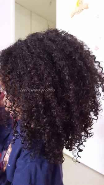 Resultat de l'apres-shampoing à la creme d'avoine sur une tête frisée  (4)